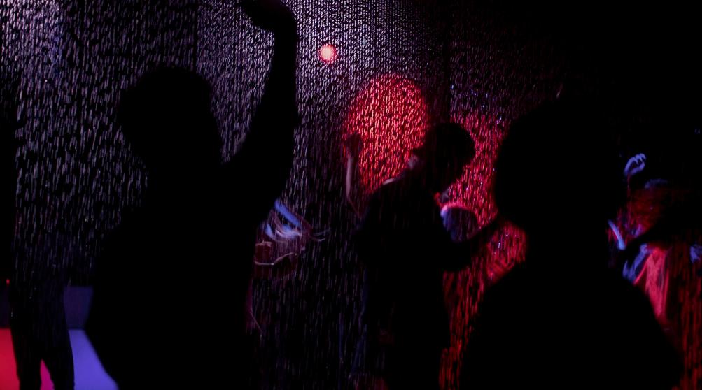 pepsi-max-dancing-in-the-rain